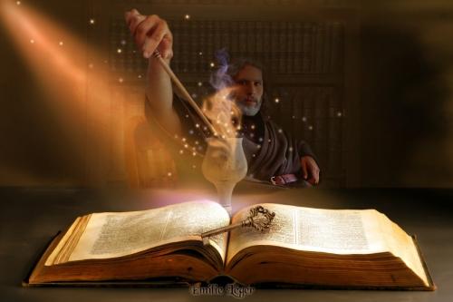 In Büchern und Schriftrollen werden viele Zauber überliefert (Bild von emilieleger)